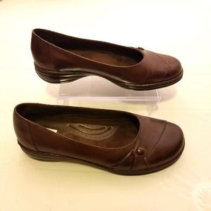 Michel M brown leather flats size 8.5